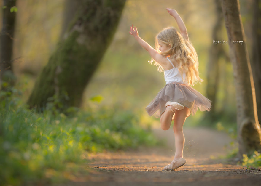 Mother-Strives-to-Capture-the-Magic-of-Childhood-with-her-Photography27__880